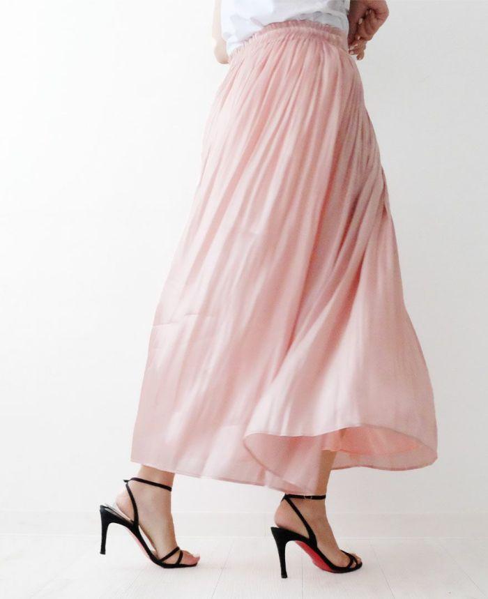 身長159cm  ライトピンクのスカートを白でフェミニンに