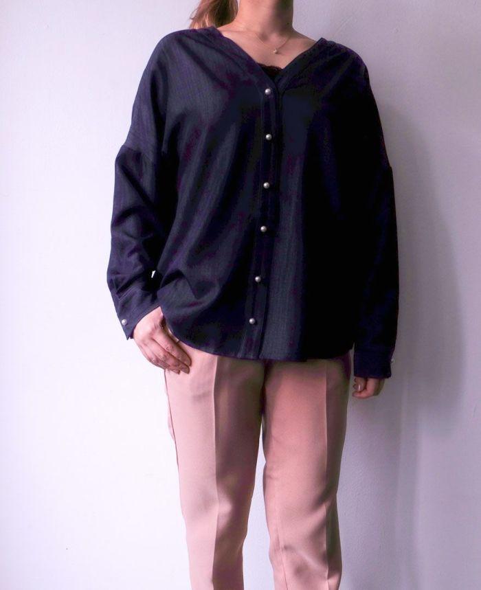 バックフリルVネックシャツ 身長159cm