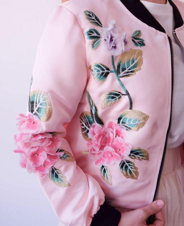 立体的なお花や刺繍