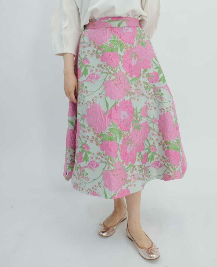 ピンクの花柄フレアスカート