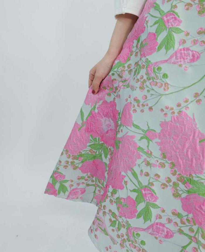 ピンクの花柄ジャガード