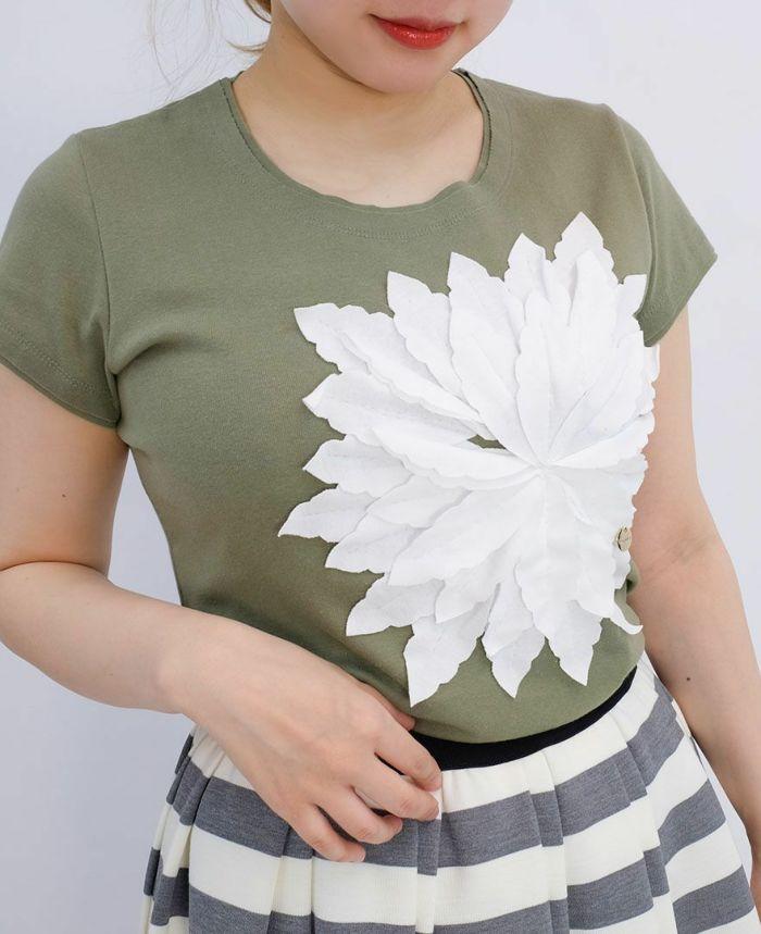 お花アップリケ半袖Tシャツ