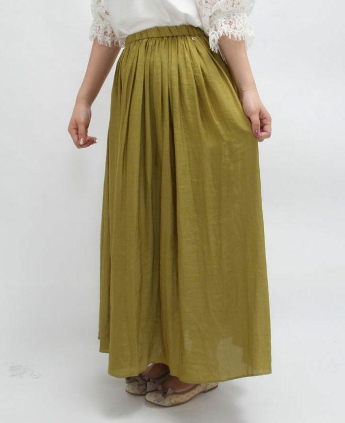 足首までの長い着丈のシフォンギャザーマキシスカート