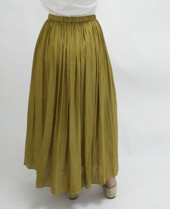 程よいゴムの締め付けでウエストがぼこっとなりにくいシフォンギャザーマキシスカート