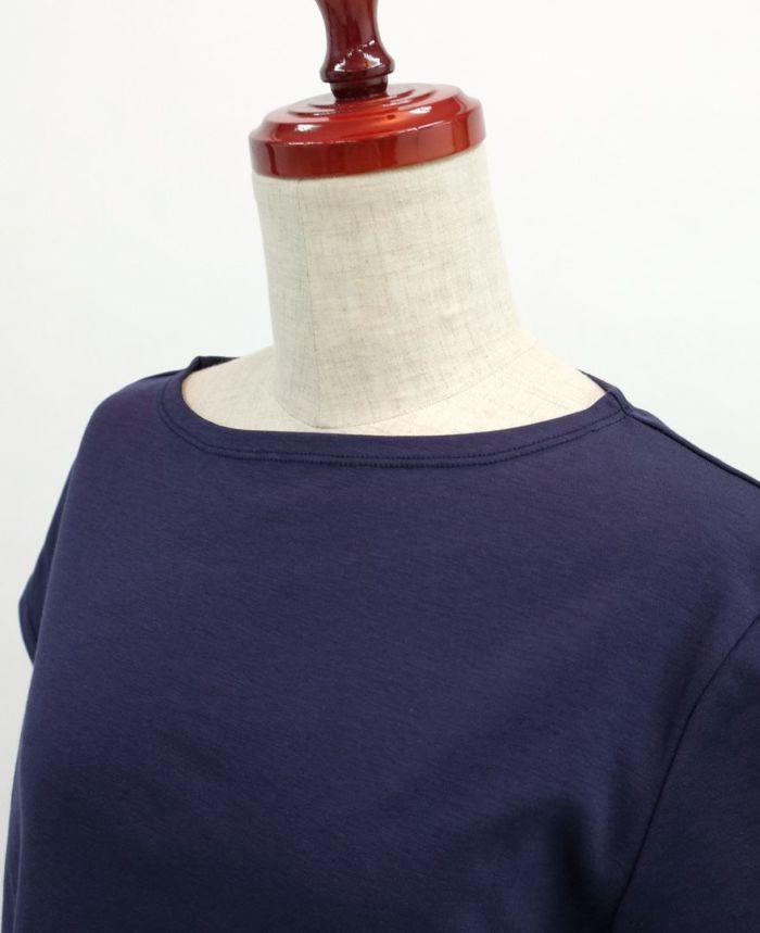バックフリル半袖カットソー ネックライン