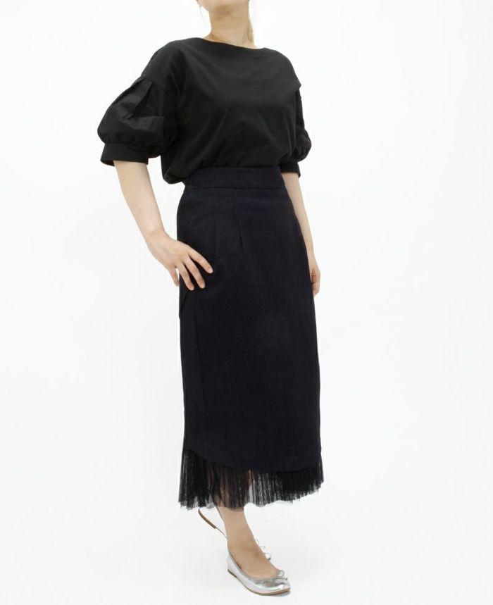 タックスリーブコットンTシャツのブラックとタイトスカートですっきりコーデ