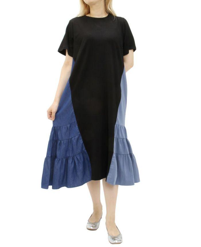 ブラックのサイド異素材Tシャツワンピにシルバーのバレエシューズをスタイリング