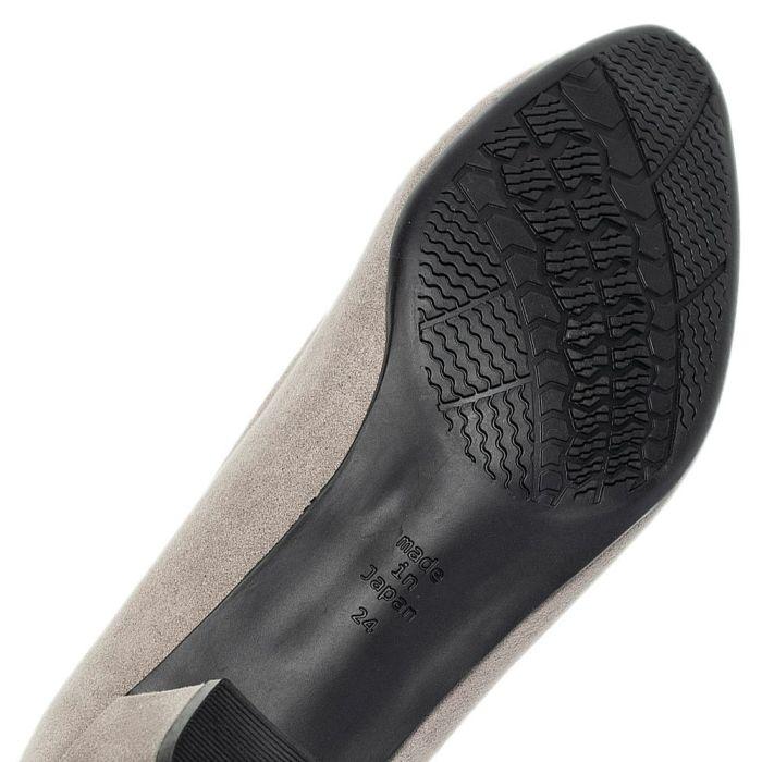 移動や保管に便利な巾着型シューズケース付き