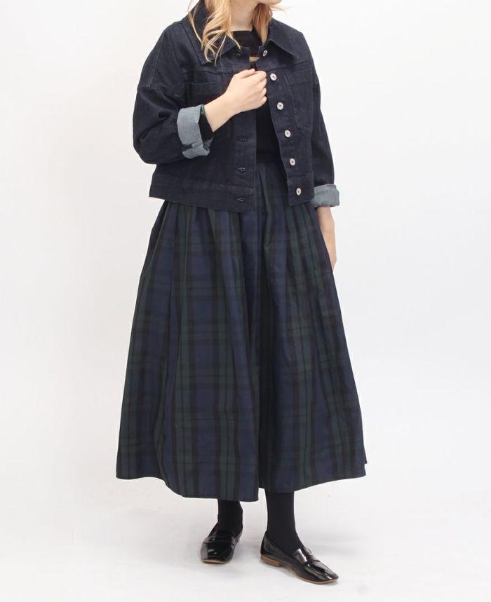 神戸・山の手タータンスカート マキシ丈にデニムジャケットでカジュアルダウン