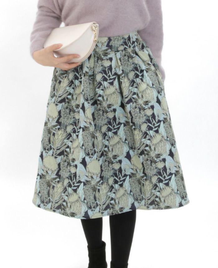 花柄ジャガードフレアスカート タイツを合わせたコーディネート