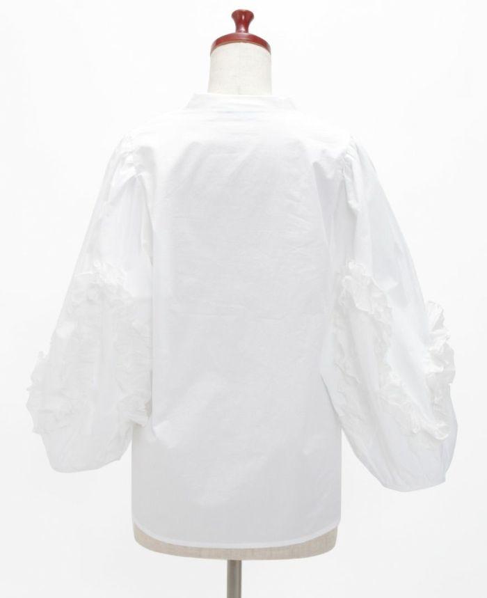 デザイン袖スキッパーブラウス バックスタイル