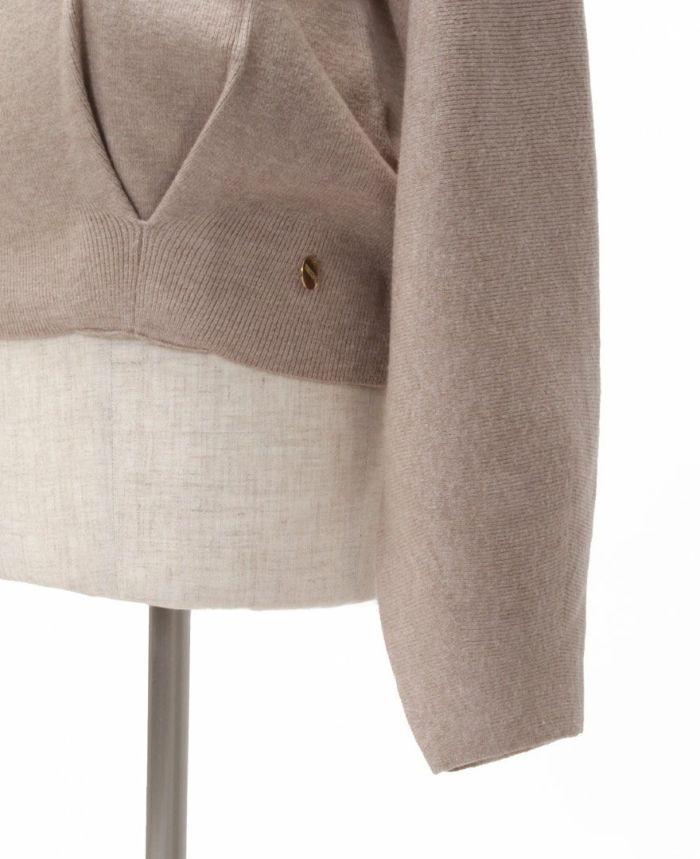 もちもちVネックニット 静電気防止 帯電防止 パチパチしにくい  裾 タック