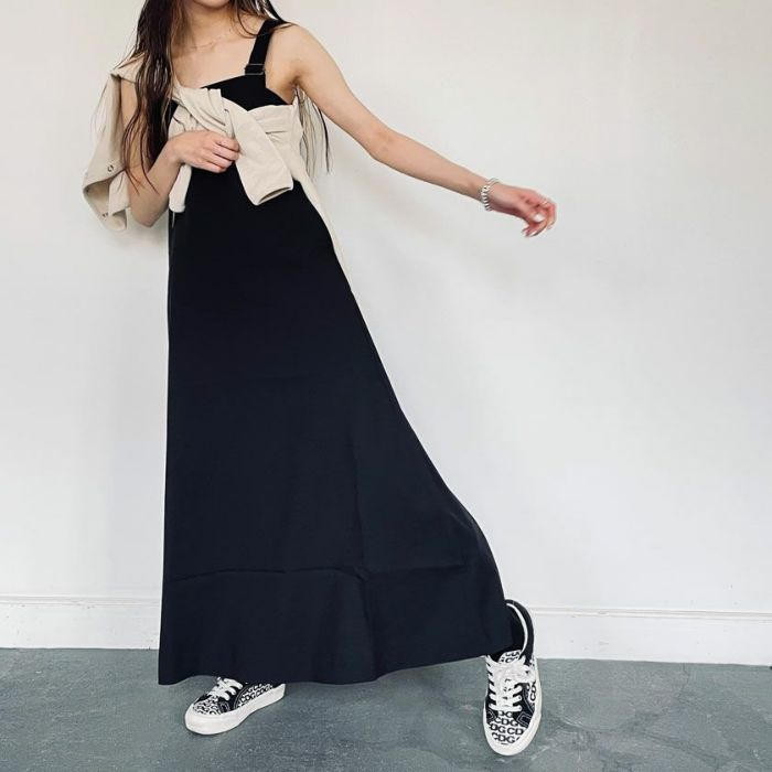 ブラックバッククロスジャンパースカート