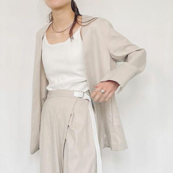 綿麻ノーカラージャケットベージュカラーセットアップ スカートスタイル
