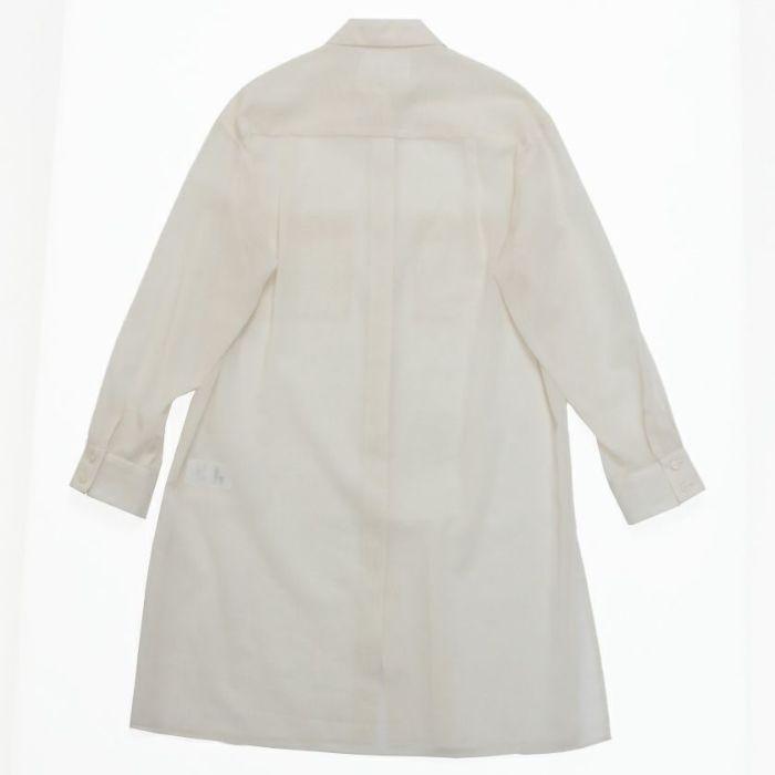 シアーシャツオフホワイトバックスタイル