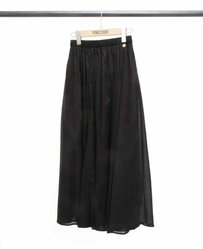 ベーシックカラーブラックのサマースカート