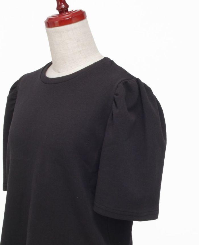 袖ボリュームトップスのブラックの袖詳細