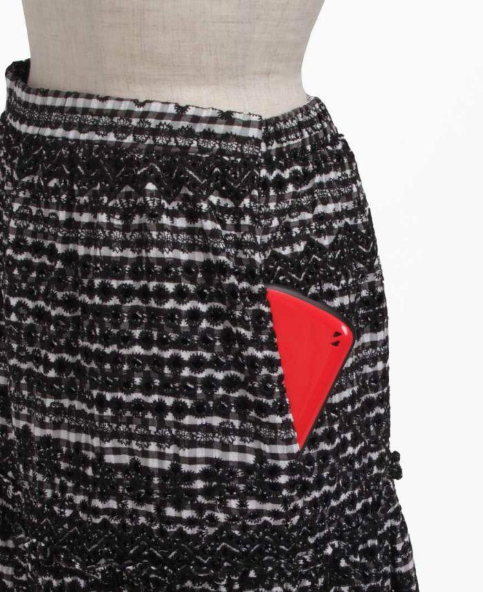 パンチングスカートのポケット詳細