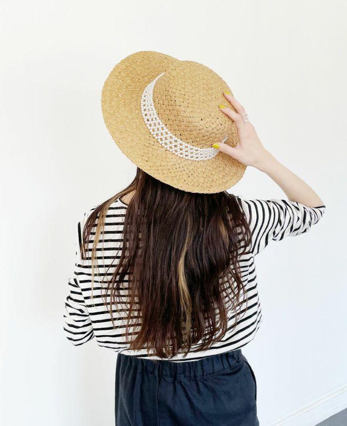ロングヘアの方にはスタイリッシュにきまるカンカン帽子